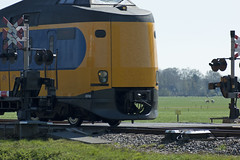 spoorwegovergang (Peteralexander7) Tags: railroad train crossing trein spoorwegovergang overwegbomen