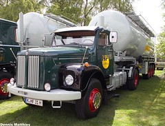 Scania silo truck (Schwanzus_Longus) Tags: auto green classic truck germany big tank sweden outdoor cab transport over engine super swedish semi silo german rig vehicle l 111 freight tanker scania fahrzeug haul wilhelmshaven laster l111