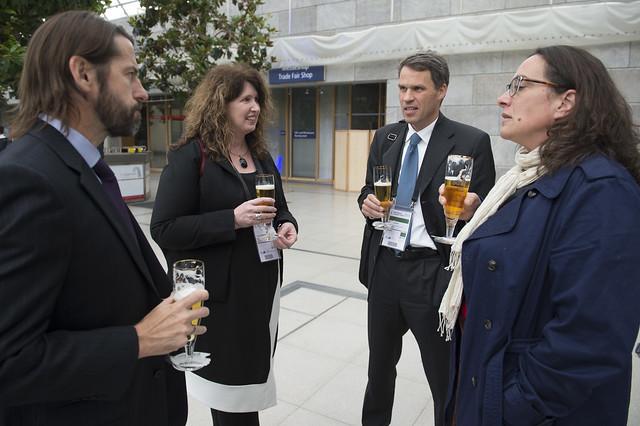 Karen Jacobson Dirk Glaesser share a drink