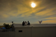 Angels on the roof in Ostende (ost_jean) Tags: angels roof people sunset zonsondergang ostende oostende nikon d5200 tamron sp af 1750mm f28 xr di zon sun engel anges