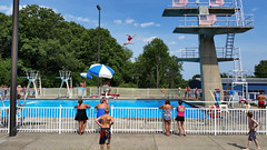 Summer fun (real00) Tags: williamreal willreal 2016 2010s 2000s pittsburgh pennsylvania urban city landscape urbanlandscape alleghenycounty pittsburghregion westernpennsylvania swimming diving platformdiving summer pool swimmingpool recreation sport