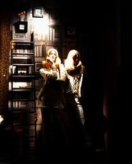LO VE (fotomie2009 OFF) Tags: manichini vetrina windowshop night nocturne notturno notte mannequin