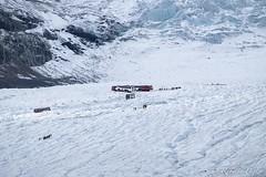 Columbia Icefield Discovery Centre (robertopastor) Tags: amrica canada canadianrockiesmountain canad fuji montaasrocosas robertopastor viaje xt1 xf100400 glaciar glacier