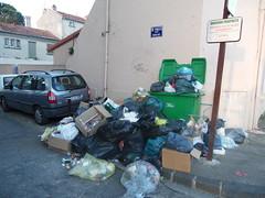 Monclar/Champfleury (Avignon_Sud) Tags: avignon hlm salet poubelles pauvret insalubre insalubrit eboueurs champfleury monclar