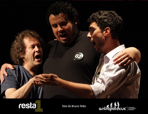 RESTA 1 - Espetáculo de Improvisação