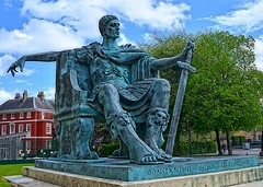 York - Roman Emperor Constantine (amhjp) Tags: york heritage history statue nikon yorkshire tourist historical yorkminster yorkcity emperor amhjpphotography amhjp