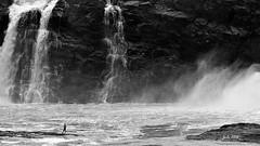 Jode2998_138recnivphfcnbrouge (Jode Photo) Tags: chute chaudière lévis stromuald pêcheur eau