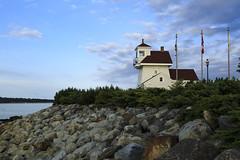 5IMG0087 Fort Point Lighthouse (Glenn Gilbert) Tags: canada liverpool lighthouse merseyriver outdoor novascotia evening historical travel shore coast