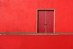 Red (in Lahinch) (Photoblog.ie (Patrick Dinneen)) Tags: red lahinch lines simple straight door wall one colour onecolor
