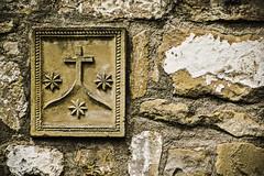 Smbolos (Ignacio M. Jimnez) Tags: flickrfriday threeofakind cruz cross three tres piedra stone ubeda jaen andalucia andalusia espaa spain