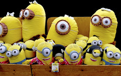 The Minions (Dreamsmitten) Tags: pirates legendary yellow red blue blackpiratehat eyes