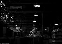 9679-1 (franciscogutierrez4) Tags: colores cores delalumire descouleurs foto fotografia fotgrafo image imagem imagen light luz photo photographer photographie leitor lector lectura silencio eterno libros livros