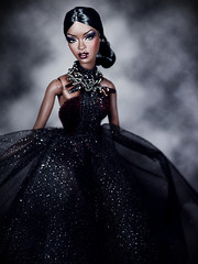 La Reine de la Nuit (Paris In BKK) Tags: fr doll fashionroyalty toy fashiondoll integrity adele lesmoking gloss convention kforrd monochromatic dollportrait sizzlinghot