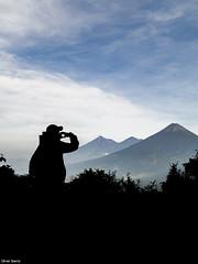 En el Ascenso al Volcn Pacaya (sierra.oe87) Tags: escuintla guatemala departamento volcn pacaya agua fuego acatenango sombra nubes