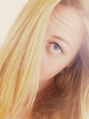 DSCF8255 (Hanna Alic) Tags: woman hair eyes blond covered blau augen haare sceptic verdeckt skeptisch