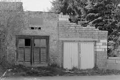 Basketball Garage (n0core) Tags: bw abandoned basketball canon garage f1 ruine ddr tor tr gdr verlassen urbex orwo bleicherode np20