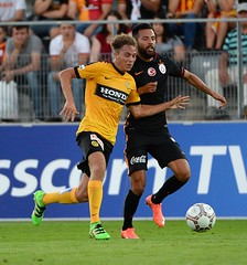 Young Boys 1-1 Galatasaray (l3o_) Tags: galatasaray young boys sar krmz red yellow football futbol uhren cup yasin ztekin