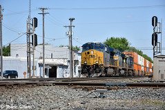 Csx 3322 Hammers through Deshler. (Machme92) Tags: railroad america nikon rail trains row american rails ge railfan railroads csx railroading railfanning gevo railfans trainrace
