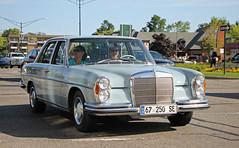1967 Mercedes-Benz 250SE (SPV Automotive) Tags: 1967 mercedesbenz 250se sedan classic car blue