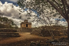 Dzibilchaltun 842ch1 (Emilio Segura Lpez) Tags: pirmide templodelassietemuecas maya arqueologa dzibilchaltn yucatn mxico