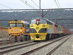 form vs function (sth475) Tags: railway railroad  train old classic veteran diesel loco locomotive  freight container intermodal sclass clyde gm emd cabunit bulldog a16c gm12class 442class 81class jt26c2ss s317 s302 gm22 44206 lithgow yard bluemountains mainwest centraltablelands nsw australia spring
