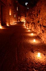 en la espera (manu_perez_73) Tags: pedraza segovia nochedelasvelas night candle piedra calles manuperez73 nikond7100 castillalen espaa spain fotografanocturna noche light