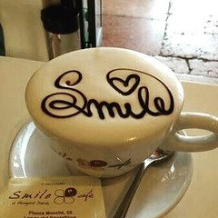 #smile !  heart warming #coffee #latteart (Pretty Cool Pic) Tags: pretty cool smile  heart warming coffee latteart