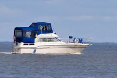 _1280437.jpg (Bucky-D) Tags: lakewinnipeg sand water fz1000 winnipegbeach beach boat yacht