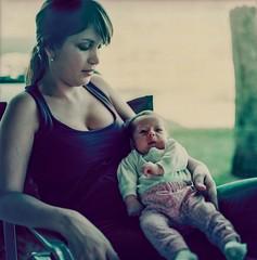lovely baby whit mother (lamachineaveugle) Tags: portrait baby infant kodak mother hasselblad bebe v600 epp enfant madre mère 500cm