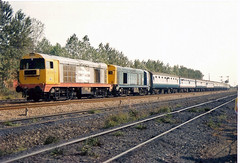 20215 20142 Worksop (British Rail 1980s and 1990s) Tags: britishrail br class20 20215 20142 20 doncaster train rail railway station diesel loco locomotive 90s 1990s ee englishelectric type1 nineties livery trains locohauled passenger er easternregion chopper liveried traction railways