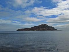 Holy Water (Bricheno) Tags: island scotland clyde escocia arran isleofarran szkocja schottland lamlash scozia cosse holyisle  esccia   bricheno scoia