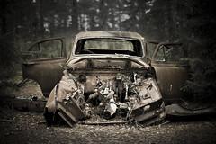 Close the doors! (arkland_swe) Tags: rust rost oxidation junkyard skrot bil car ryd kyrkömosse småland sweden decay förfall övergiven abandoned junk vintage ue övergivnaplatser