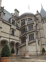 The Biltmore Estate (jericl cat) Tags: classic architecture nc estate asheville vanderbilt classical mansion biltmore enormous 1895 georgevanderbilt