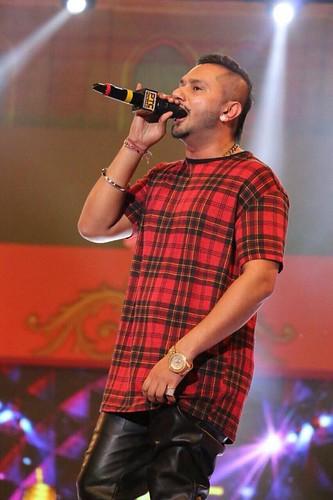 Flickriver Photoset Photos Of Yo Yo Honey Singh Hairstyle