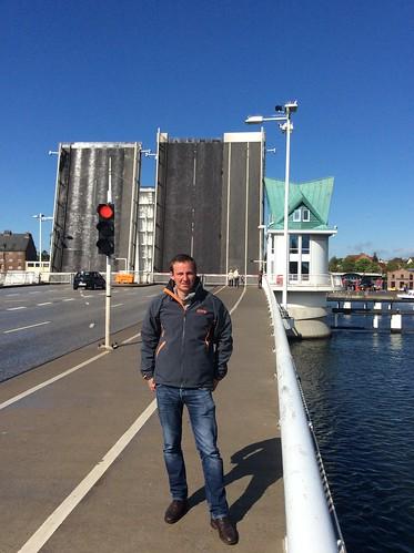 Kristof vor Brücke in Kappeln