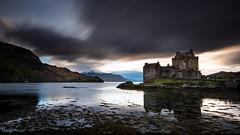 Eilean Donan Castle (Tony N.) Tags: longexposure sunset sky mountains castle film water montagne movie scotland highlands eau europe highlander ciel loch chateau eilean donan coucherdesoleil ecosse dornie eileandonancastle poselongue d810 nd110 tonyn lochduish nikkor1635f4 tonynunkovics duish
