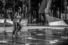Will here phone stay dry? (B. Versteeg) Tags: phone water dry girl roterdam centraal holland nikon d700 play wet fun playing