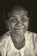 Portrait of a Chin woman (bag_lady) Tags: chin myanmar burma chinstate rakhinestate tattoo facialtattoo culture tradition portrait blackwhite kritchoungvillage ethnic tibetmongolian