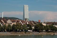 Roche Tower ( auch Roche - Turm - Hauptsitz des Pharmakonzerns Hoffmann-La Roche - Hhe 178m - Baujahr 2012 - 2015 - Hochhaus ) am Hochrhein - Rhein in der Stadt Basel im Kanton Basel Stadt der Schweiz (chrchr_75) Tags: hurni christoph schweiz suisse switzerland svizzera suissa swiss chrchr chrchr75 chrigu chriguhurni chriguhurnibluemailch juli 2016 juli2016 albumstadtbasel baselstadt stadtbasel kantonbaselstadt stadt city ville  by  citt  stad ciudad rhein rhin reno rijn rhenus rhine rin strom europa albumrhein fluss river joki rivire fiume  rivier rzeka rio flod ro hochhaus basel roche tower turm gebude archidektur kirche church eglise albumkirchenundkapellenimkantonbaselstadt chiesa kirchebaselstadt albumhochhuserderschweiz chiuche glise temple