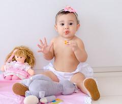 Malu 9 meses (McGyverRT) Tags: pretty baby girl little menina mensrio monthly growing family sobrinha princesa princess malu