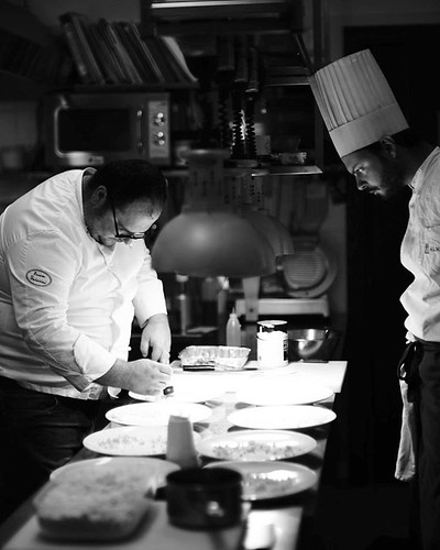 Behind friendly line... Lookin and working #chef #vitantonio #lombardo #locanda #severino #caggiano #campania #igerscampania #chef #food #foodporn #mflenses #voigtlander #nokton #sc #40mm #f1point4