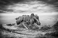 Dunnottar Castle (gms) Tags: dunnottarcastle dunnottar castle scotland stonehaven fortress medieval rock coast drama dramatic bw blackandwhite