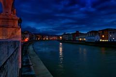 Arno in Pisa (SmoHoHo) Tags: arno pisa fluss wasser blauestunde mauer haus himmel wolke sal1650 sonya58