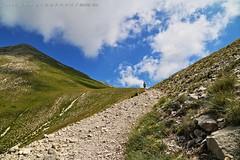 Punto di fuga (_Nick Photography_) Tags: montevettore sentiero landscape prospettiva puntodifuga nickphotography img6554 fullframe