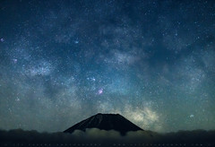 Tip Of Mt Fuji With Milky Way (lestaylorphoto) Tags: japan fuji mtfuji milkyway motosuko night stars astrophotography travel nikon d610 leslie taylor lestaylorphoto space universe astronomy cosmic