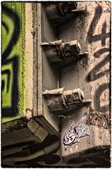 StickerGuepe_7208 (cocolokoproducciones) Tags: graffity streetart tags