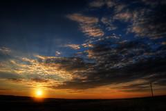 Zalazak (Sareni) Tags: sareni serbia srbija vojvodina banat juznibanat alibunar polje poljana livada field njive oranice ravnica sky clouds nebo oblaci sun sunce light svetlost boje colors bandera dalekovod evening vece hdr high dynamicrange photomatix summer leto july 2016 twop