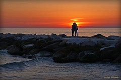 Magic moments (Darea62) Tags: sunset rocks waves love hug kiss seascape stones marinadimassa blocks