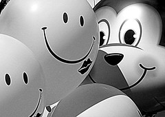 "Sonrisas Smiles Sorrisi (Raul Jaso) Tags: bw love byn smile balloons de happy df friendship y amor humor balloon smiles happiness e sorriso sonrisa felicidad globos amicizia amore amistad globo palloncini palloncino gracioso ""black white"" graciosa sonrisas city"" sorrisi felicità ""mexico ""ciudad mexico"" ""panasonic ""blanco negro"" ""bianco nero"" df"" dmcfh8 dmcfh8"""