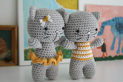 Small cat with joined legs - free amigurumi pattern (lilleliis) Tags: animal cat toy diy pattern handmade kitty free instructions amigurumi tutorial